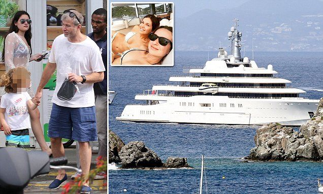 Roman Abramovich Takes Holiday On Caribbean Island Of St Barts