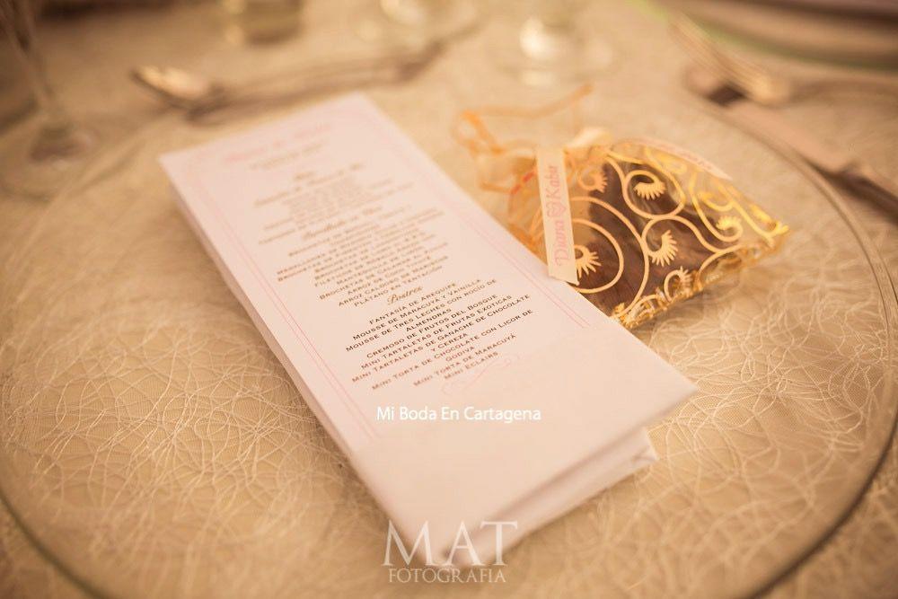 menu and favors. MI BODA EN CARTAGENA... the blog: Destination Wedding in Cartagena, Colombia… prometo un millón de fantasías! #destiantionweddingscartagena #bodascartagena #weddingplanner #organizadorabodacartagena #italavasquez @MiBodaEnCartagena #mibodaencartagena bodasencartagena....