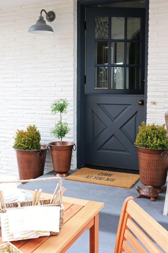 25 Stylish Dutch Doors With Pros And Cons In 2020 Dutch Doors Diy Dutch Door Modern Entrance