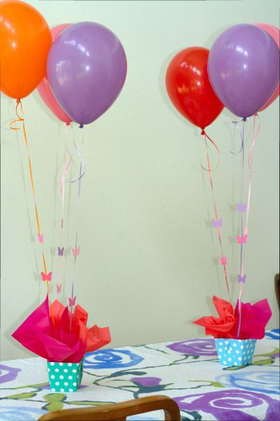 balloon centrepieces could use a cute little vase or box to hold rh pinterest com