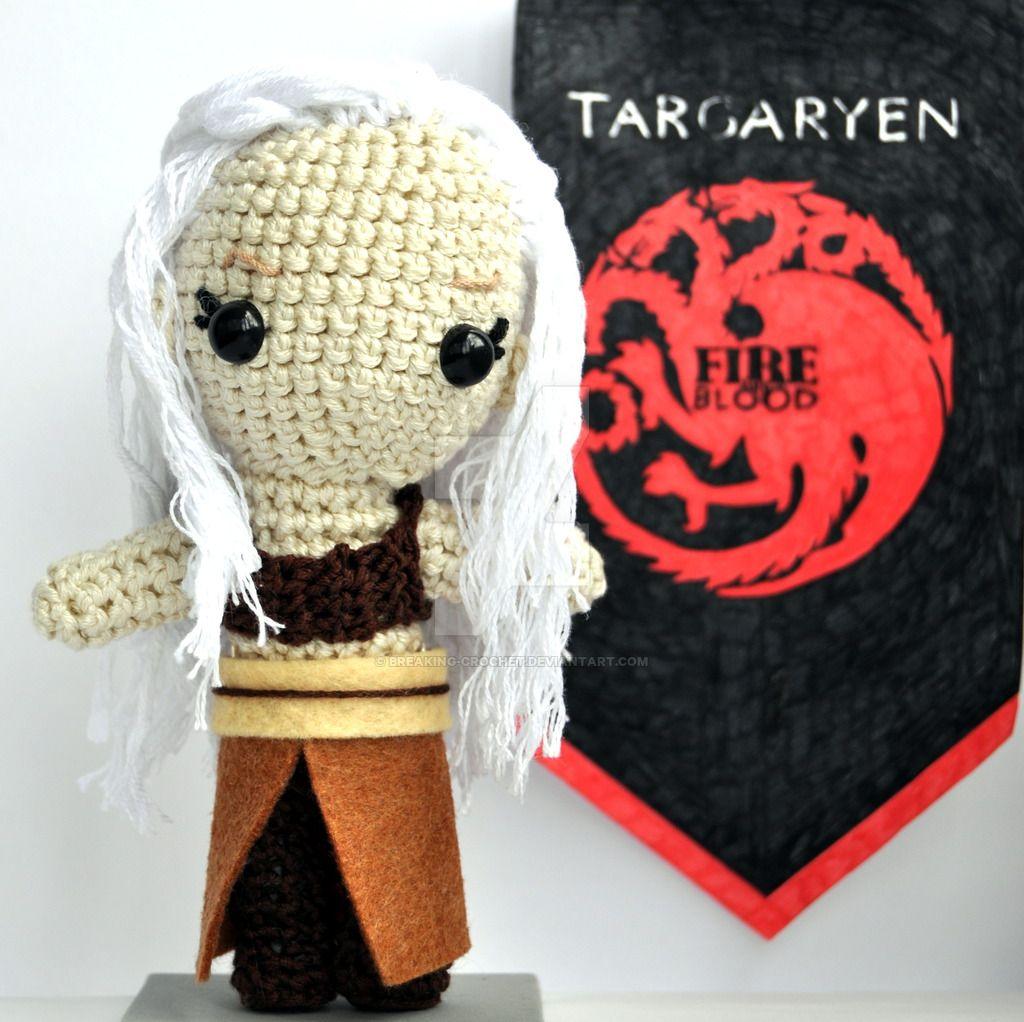 Daenerys Targaryen crochet amigurum