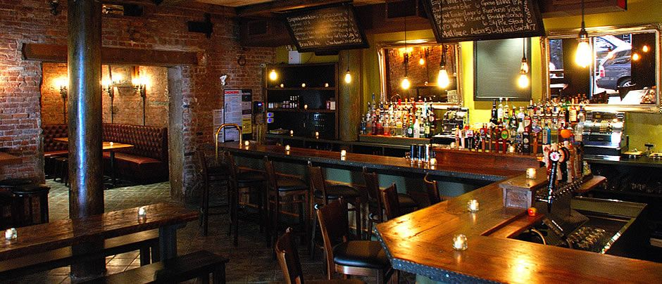 Exemple De Bar à Bière Artisanales (ju0027aime Bien Les Miroirs En Face Du Bar,  ça Fait Saloon)