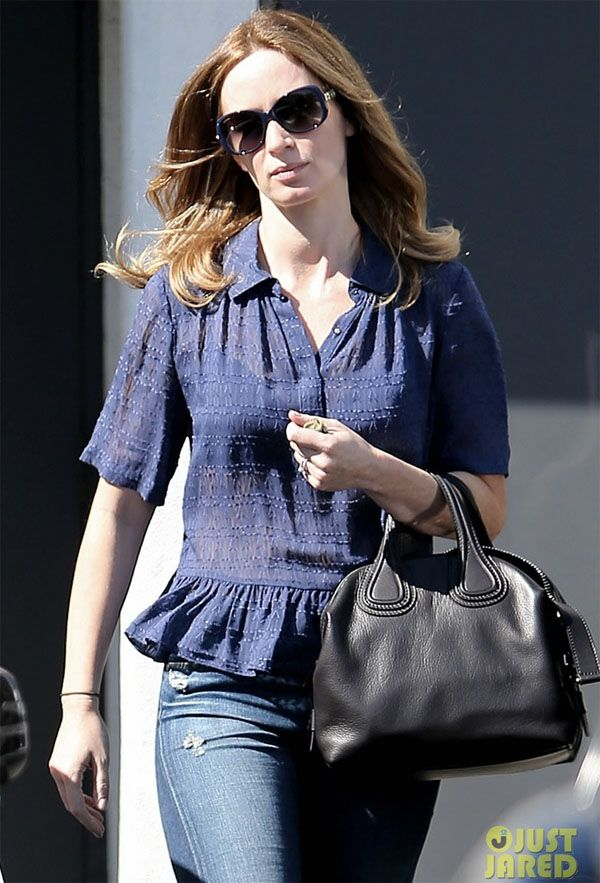 7e9eb5fe4e4 Emily Blunt Bag Style: Givenchy Nightingale Satchel | Bags ♥ in ...