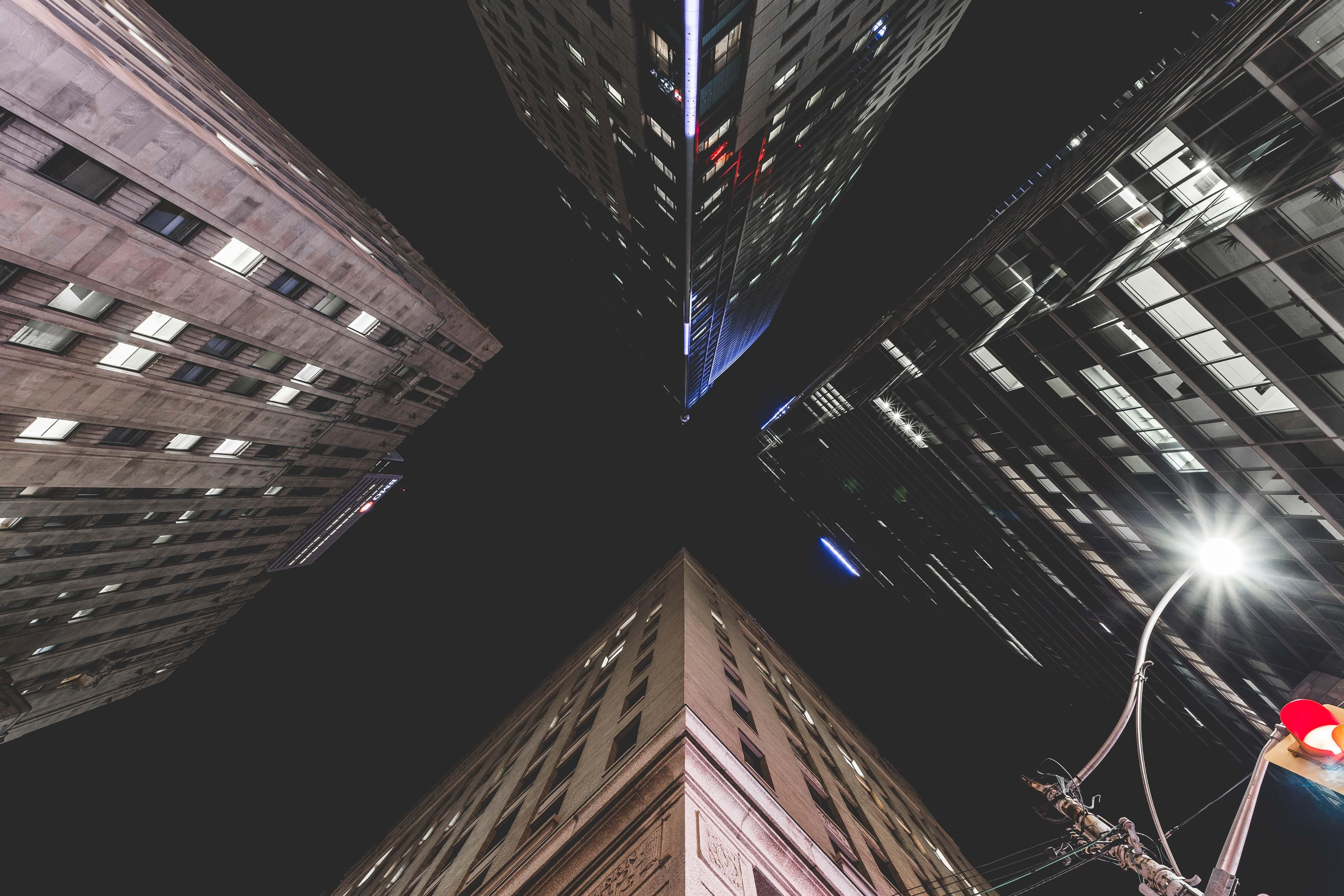 """Amazing cityscape shot by  Matthew! Click """"visit"""" above to see how he did it on Skillshare."""