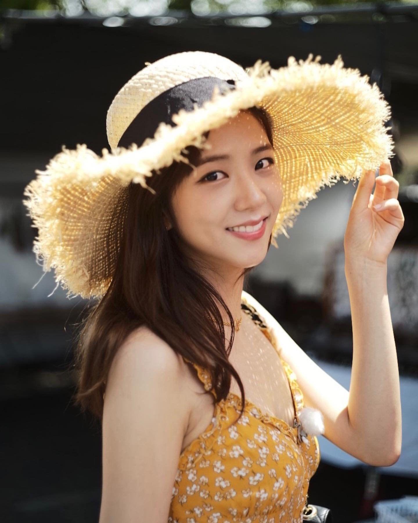 Ghim của Suzyy Bae trên Jisoo Kim | Nữ thần, Thời trang nữ, Dễ thương