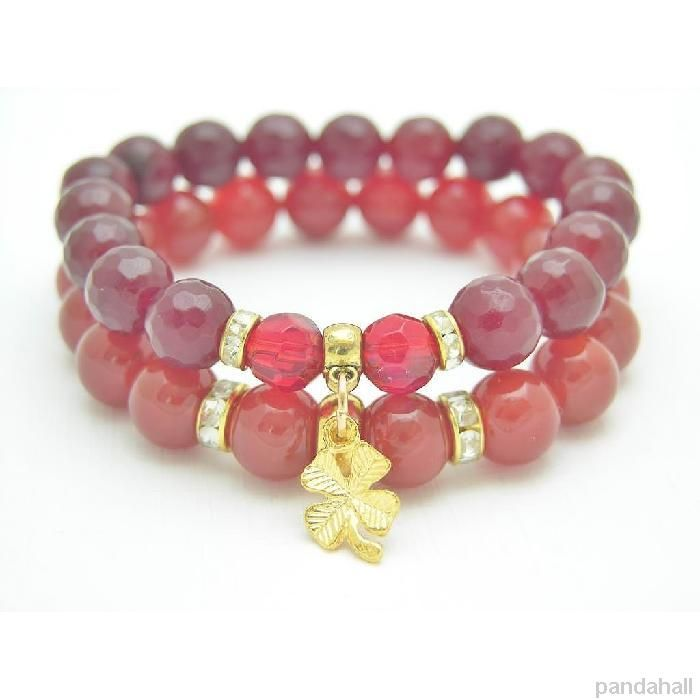 Red beaded bracelet #bracelet #beadedbracelet #pandahall PandaHall Promotion: use coupon code MayPINEN10OFF for 10% off for your orders, valid time from May 18 to May 31.