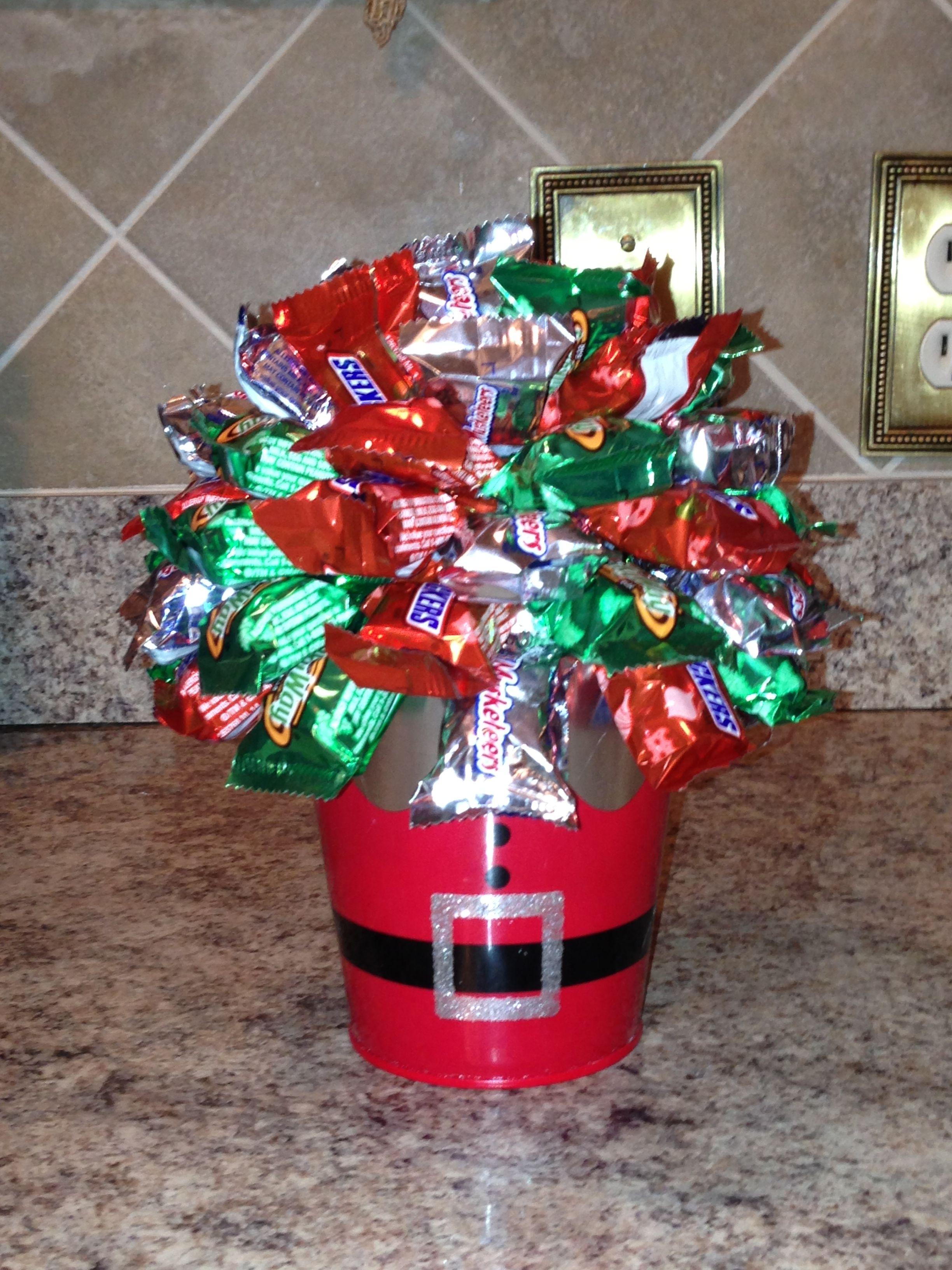 Mini Chocolate Bar Christmas Bouquet Christmas Centerpieces Candy Centerpieces Candy Bouquet Diy