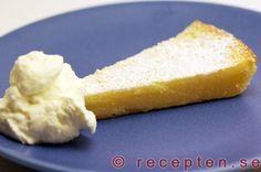 Citronkladdkaka - Recept på citronkladdkaka som är otroligt god och enkel att göra! Bilder steg för steg.