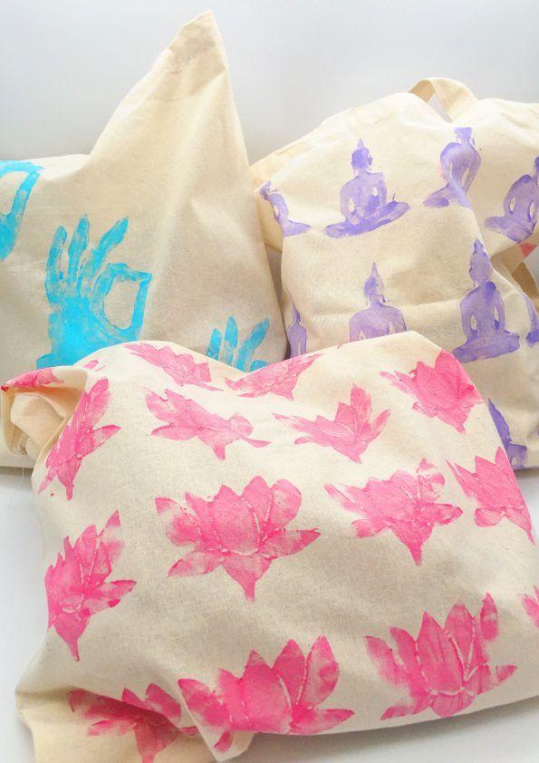 jutebeutel mit stoffmalfarbe und moosgummi stempel selber bedrucken diy jutebeutel taschen. Black Bedroom Furniture Sets. Home Design Ideas