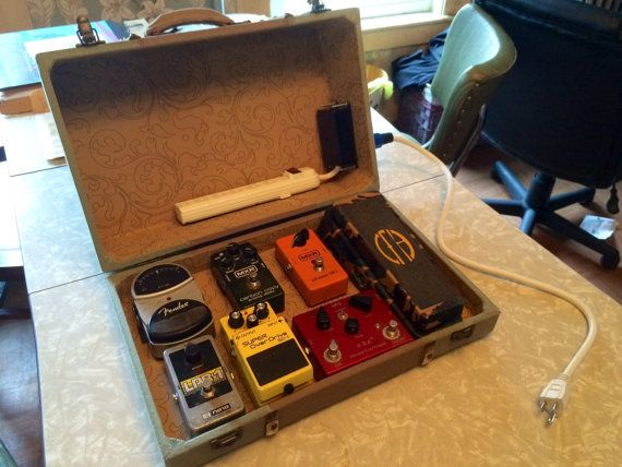 guitar pedal board suitcase power supply by jellyfishelectronics diy pedalboards. Black Bedroom Furniture Sets. Home Design Ideas
