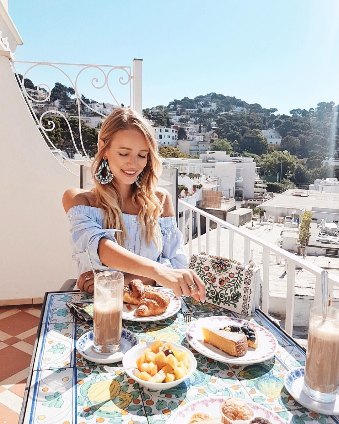 """50.3k Likes, 643 Comments - Leonie Hanne (@ohhcouture) on Instagram: """"Always craving what's on my boyfriend's plate @alex.galievsky. 👼🍦☕️ #Capri #Italy #ToryBurch"""""""