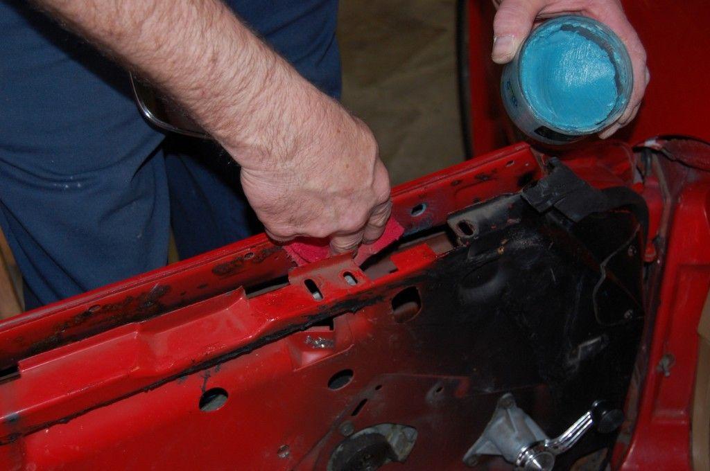 1968 82 Corvette Door Hinge And Window Repair Cc Tech In 2020 Window Repair Door Hinges Door Hinge Repair