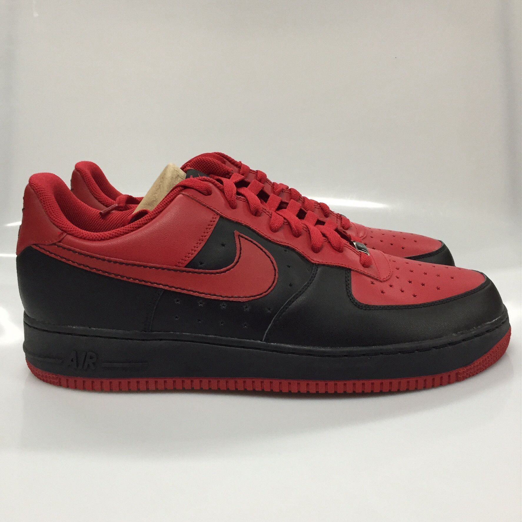CONDITION Brand New COLORWAY BlackRed SHIPPING 15