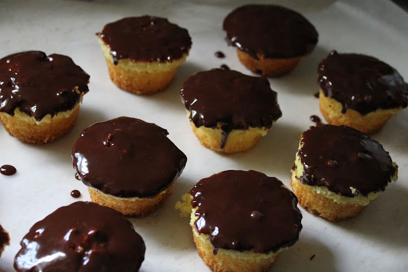 Menu Plan Monday ~ April 23 2012 ~ Boston Creme Pie Cupcakes, Spaghetti & Meatballs, Granola & MORE