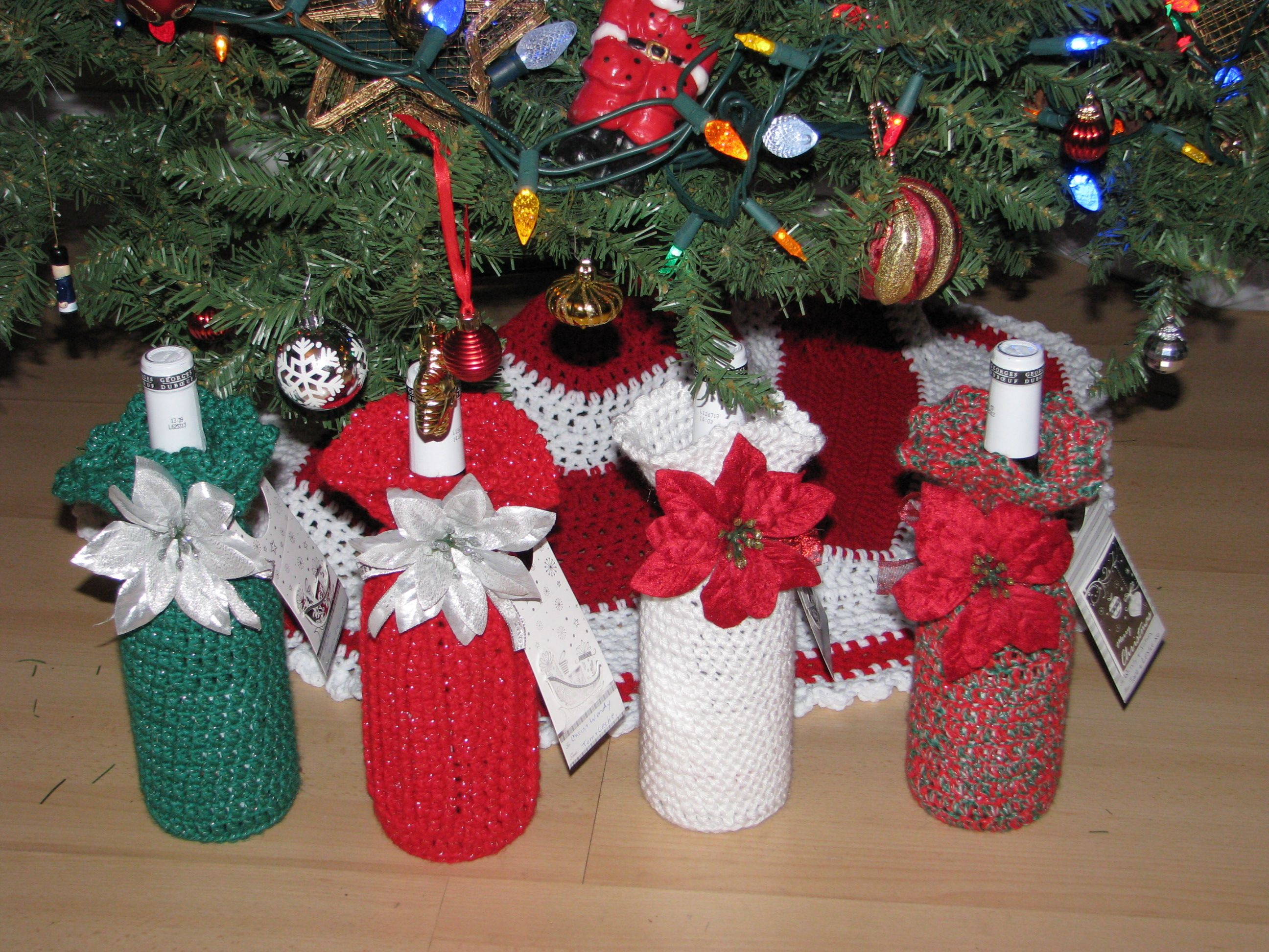 Crochet Christmas Wine Bottle Covers Christmas Crochet Christmas Wine Bottle Covers Diy Crochet And Knitting