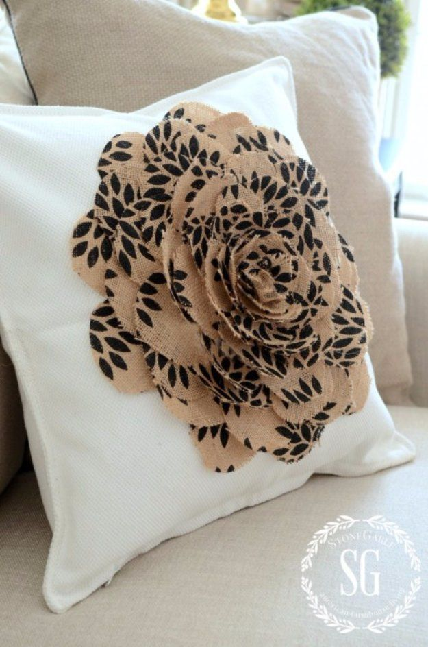 40 DIY Pillows That Will Upgrade Your Decor In Minutes Imagine Fascinating Making A Decorative Pillow
