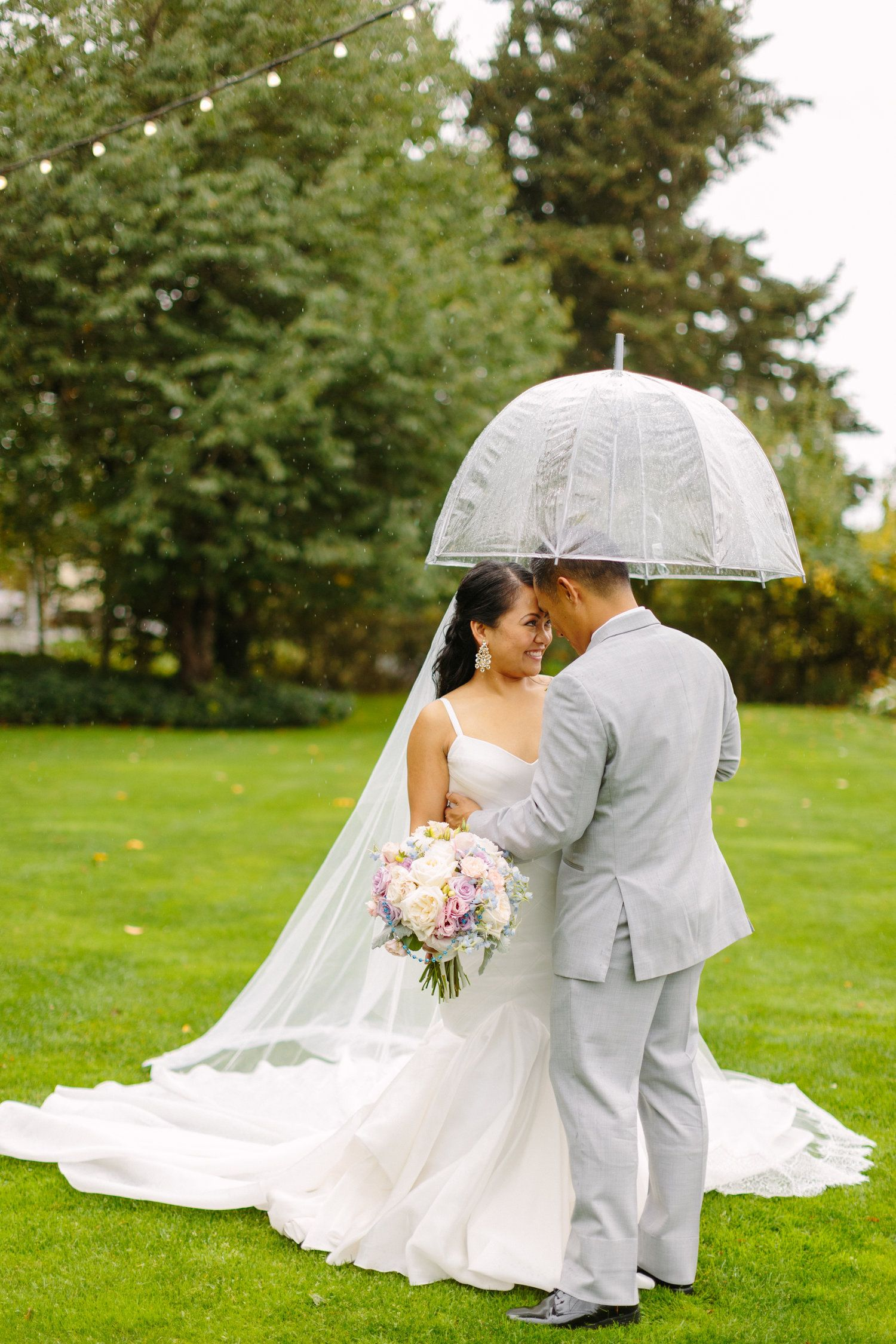Gown: Carol Hannah Pherousa (simplified). Filagree Garden Veil | Photography: Courtney Bowlden | Venue: Kelley Farm