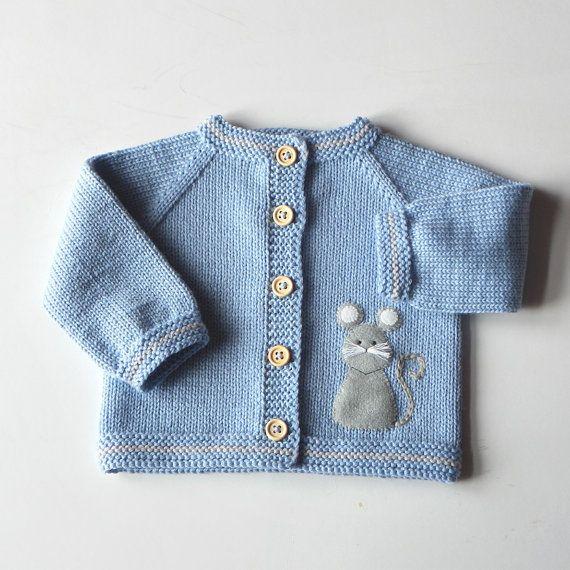 Suéter de bebé azul con chaqueta de merino azul luz de por Tuttolv
