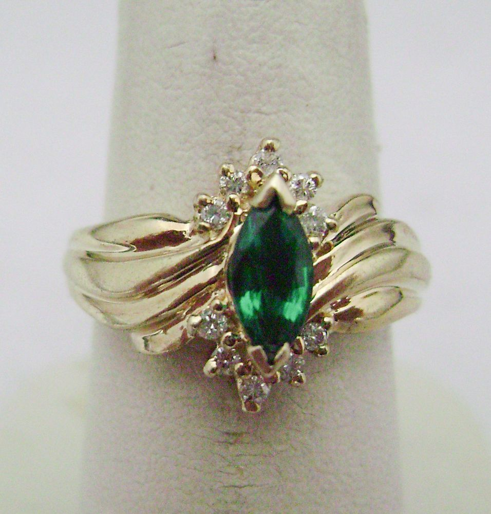 10 Kt Yellow Gold Ring With Green Stone Diamonds Dn Yellow Gold Rings Rings Green Stone
