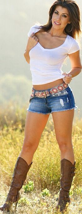 Very Sexy Boots And Short Shorts Bringing Out The Best In -4762