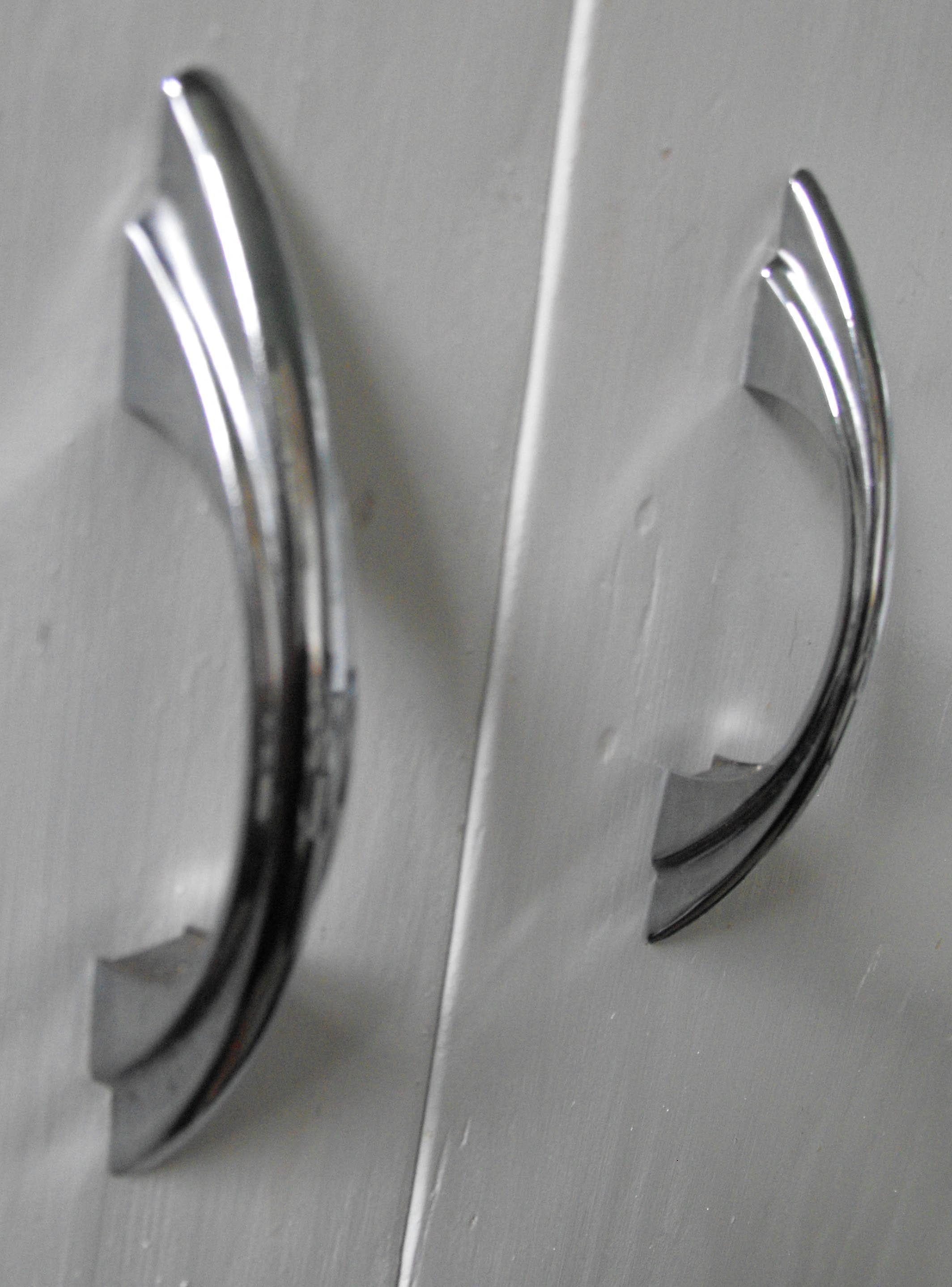 Captivating Retro Modern · Kitchen Cabinet HandlesKitchen ...