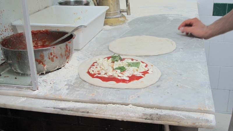 Naples: Da Michele Pizzeria and Scaturchio Pasticceria – food as art. Copyright L' Antica Pizzeria da Michele