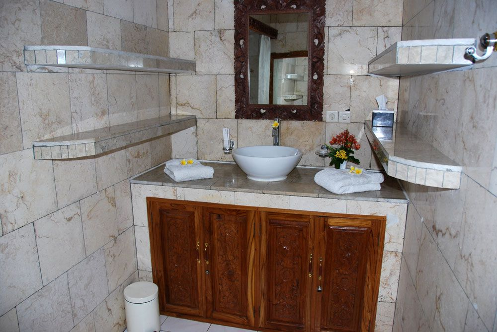 Melka Hotel Bali DeLuxe Room/Bath
