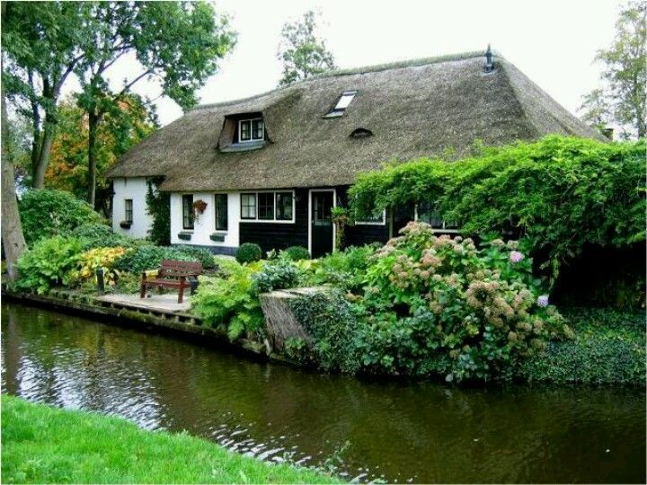 Beautiful cottage in Holland....very peaceful and ...
