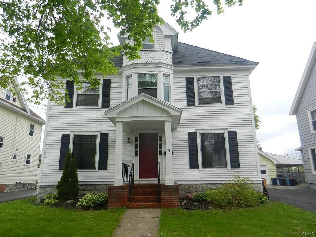 Auburn Ny Family Home Circa Old Houses Old Houses For Sale And Historic Real Estate Listings Colonial House House Styles Old Houses