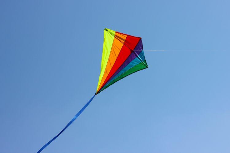 How To Make A Kite The Kite Runner Pinterest Kites Fabrics