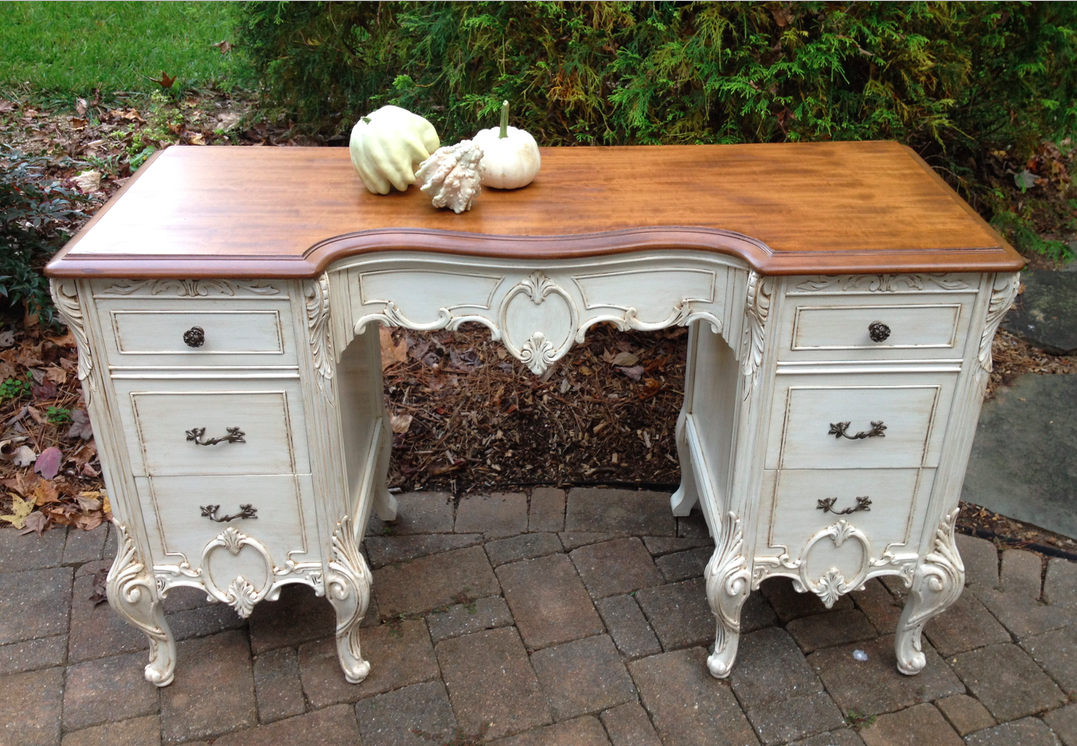 Brown Glaze Over Off White Paint This Antique Victorian
