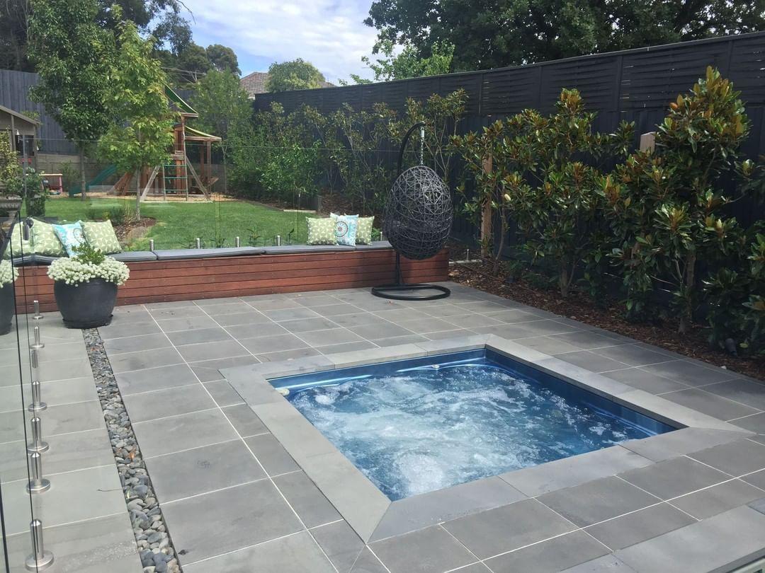 Our Smooth Edge Grande Offers Edgecap Technology No Spa Lip Iwantthatlook Paving Backyardideas Ingroun Endless Pool Pool Photos Swimming Pool Photos