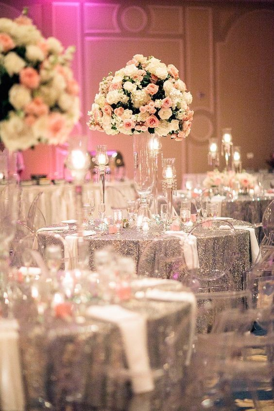 Hi girl! Today, I offer you inspiration for a two-tone pink and silver wedding. What do you think? To see more: I see life in pink! Two-tone wedding: pink and white I want pink! Pink and gold wedding wedding