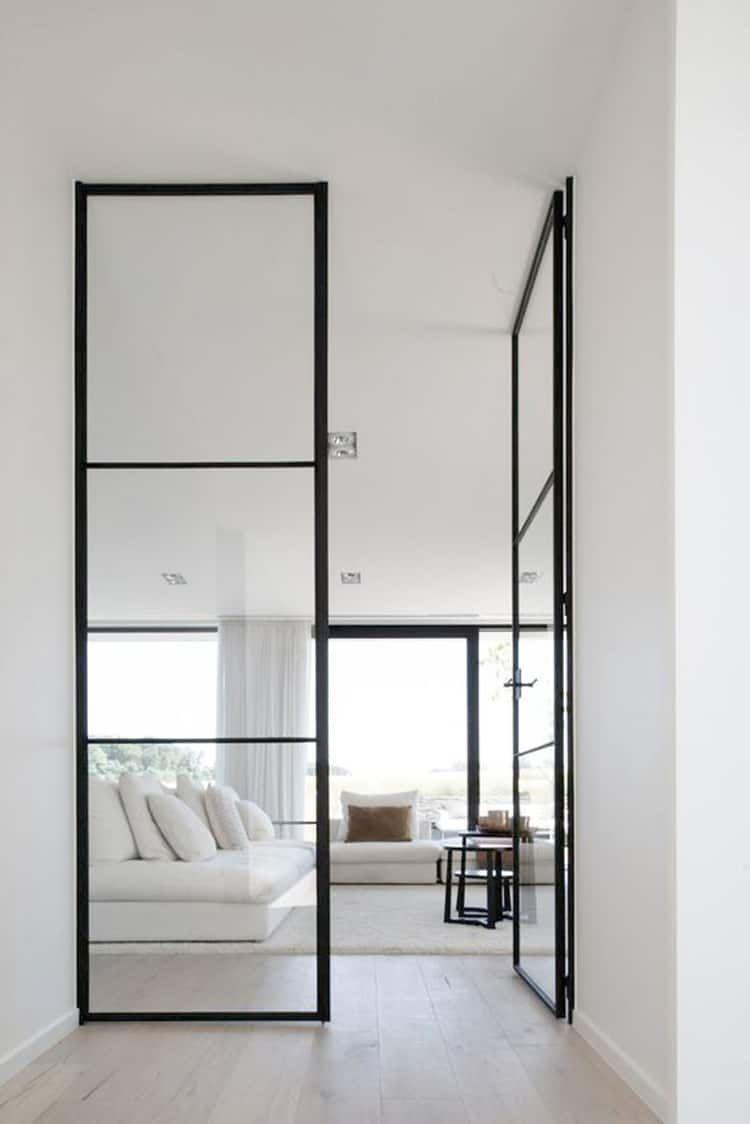 Parete vetrata per dividere cucina e salotto parete di for Interni case francesi