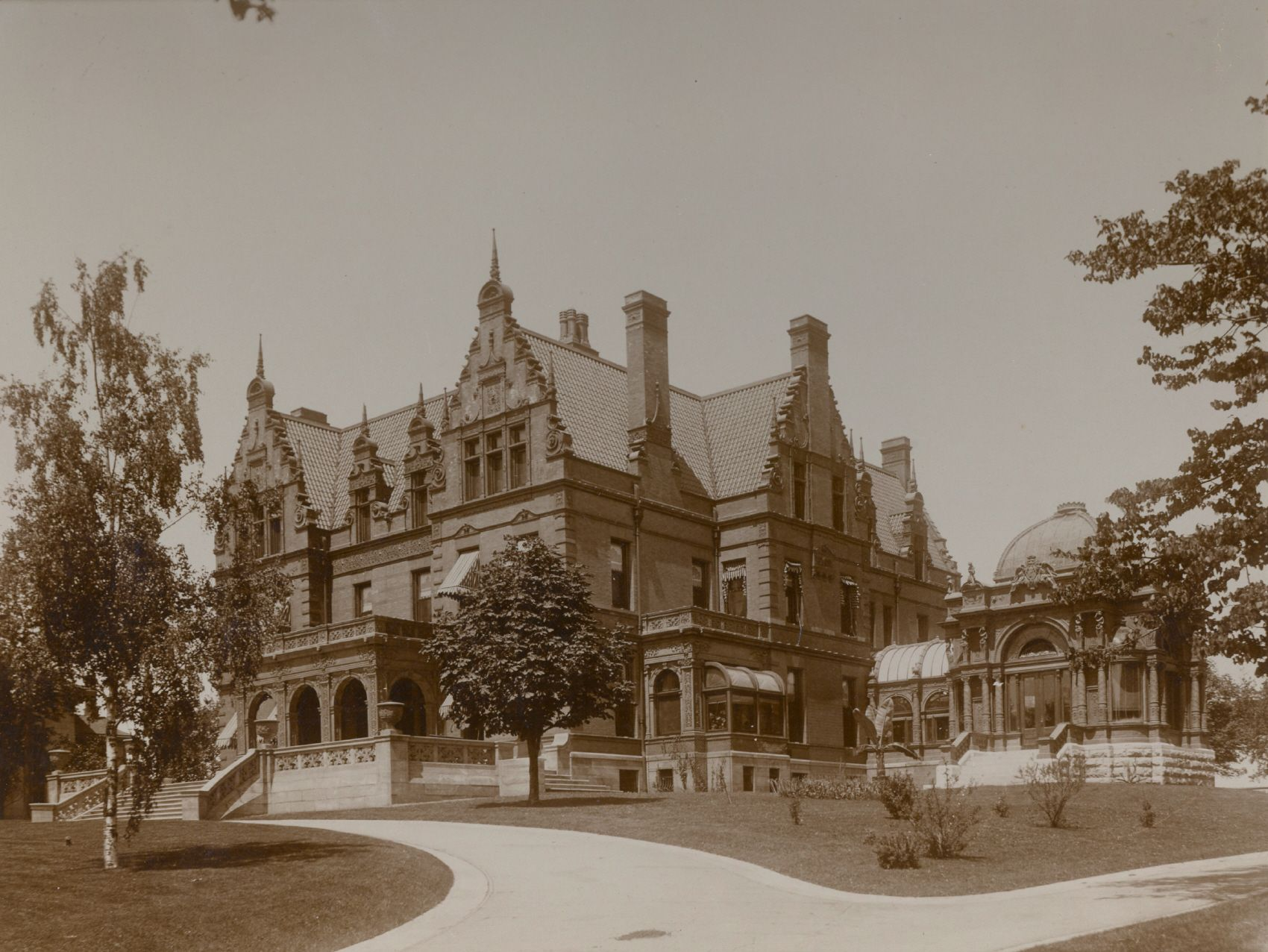 20 best milwaukee wisconsin postcards images on pinterest gilded age milwaukee mansion the link to pabst the man aiddatafo Image collections