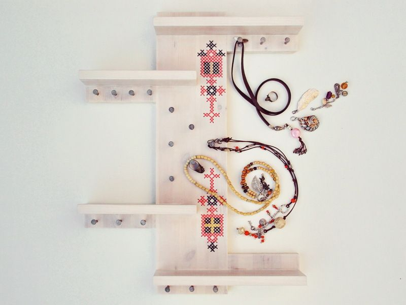 Scandinavian Design Jewelry Holder by xxxStedixxx via DaWanda.......I like how the arms go from side to side...good idea for necklaces