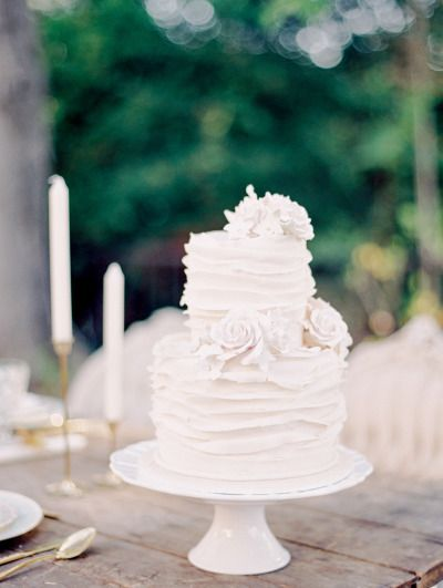 White ruffled cake: http://www.stylemepretty.com/2014/10/09/secret-garden-wedding-inspiration/ | Photography: Carol Ly - http://www.carollyphoto.com/