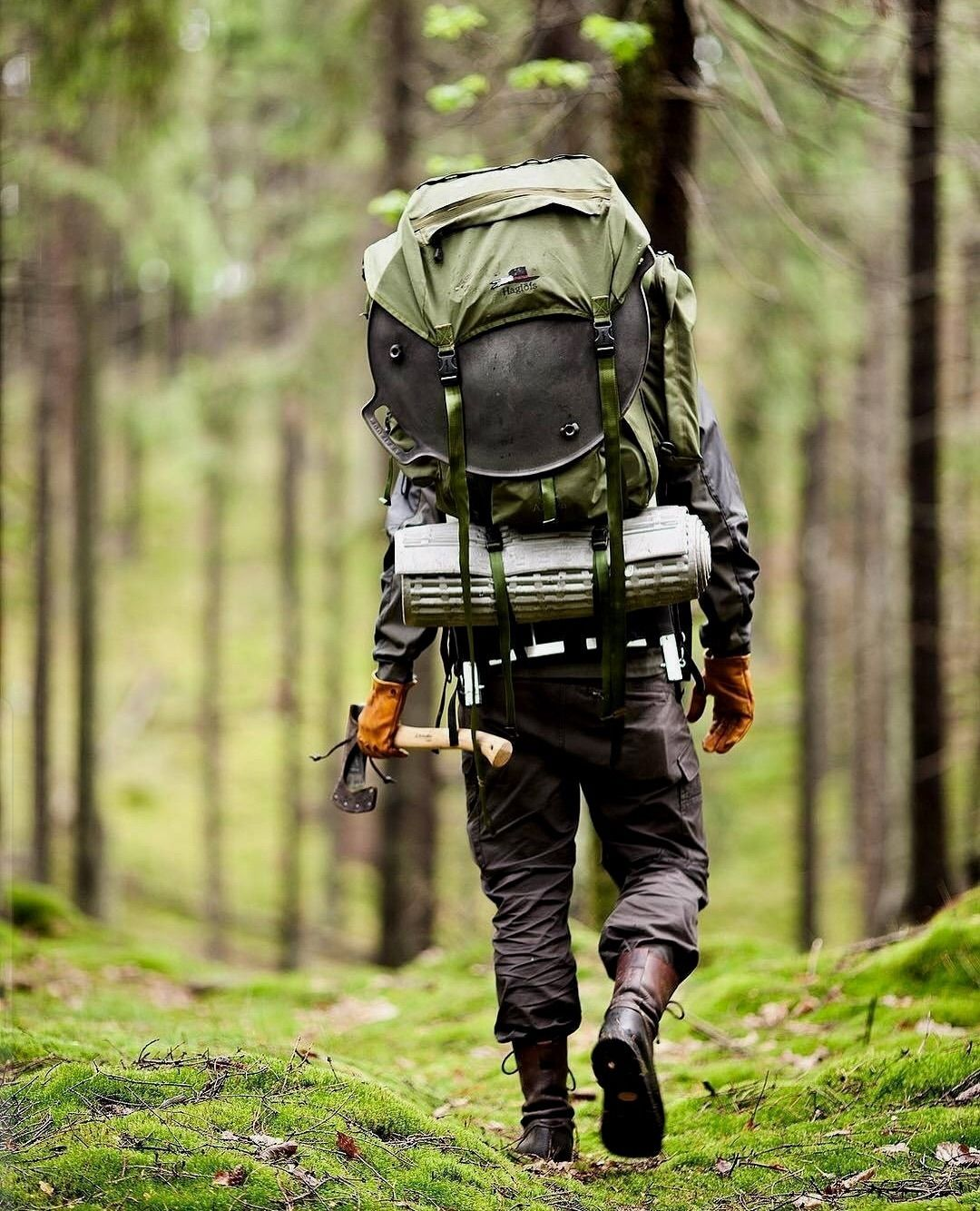 Survival trekking Bushcraft camping, Trekking, Camping fun