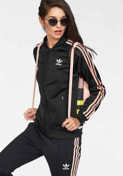 Outfits mit Adidas Cozy TrackTop Trainingsjacke
