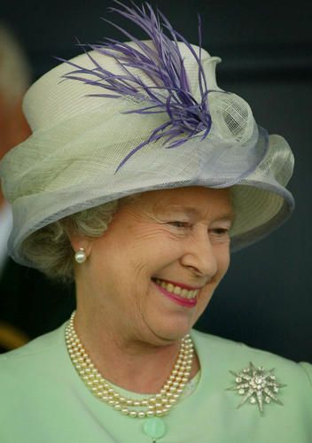 Royal wedding wagers: Queen's hat is the hot bet