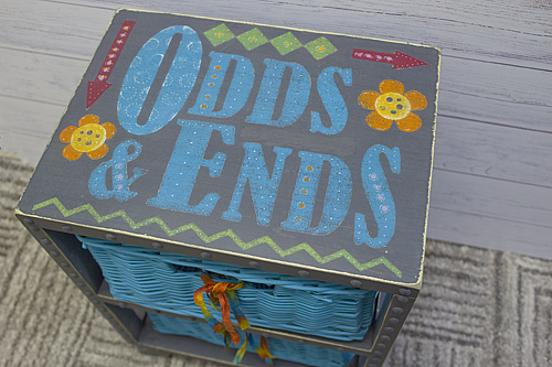 Make a fun storage place for all your odds and ends easily with Chalky Finish Paints. #chalkpaint #chalkyfinish #decoartprojects