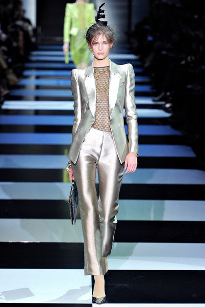 Armani Privé Spring 2012 Couture Collection Photos - Vogue