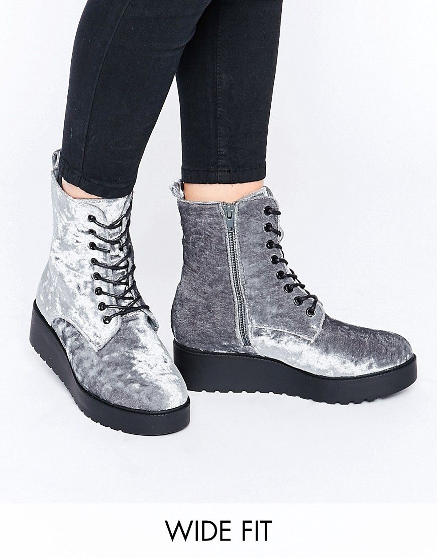 Buy Women Shoes / New Look Wide Fit Lace Up Boots