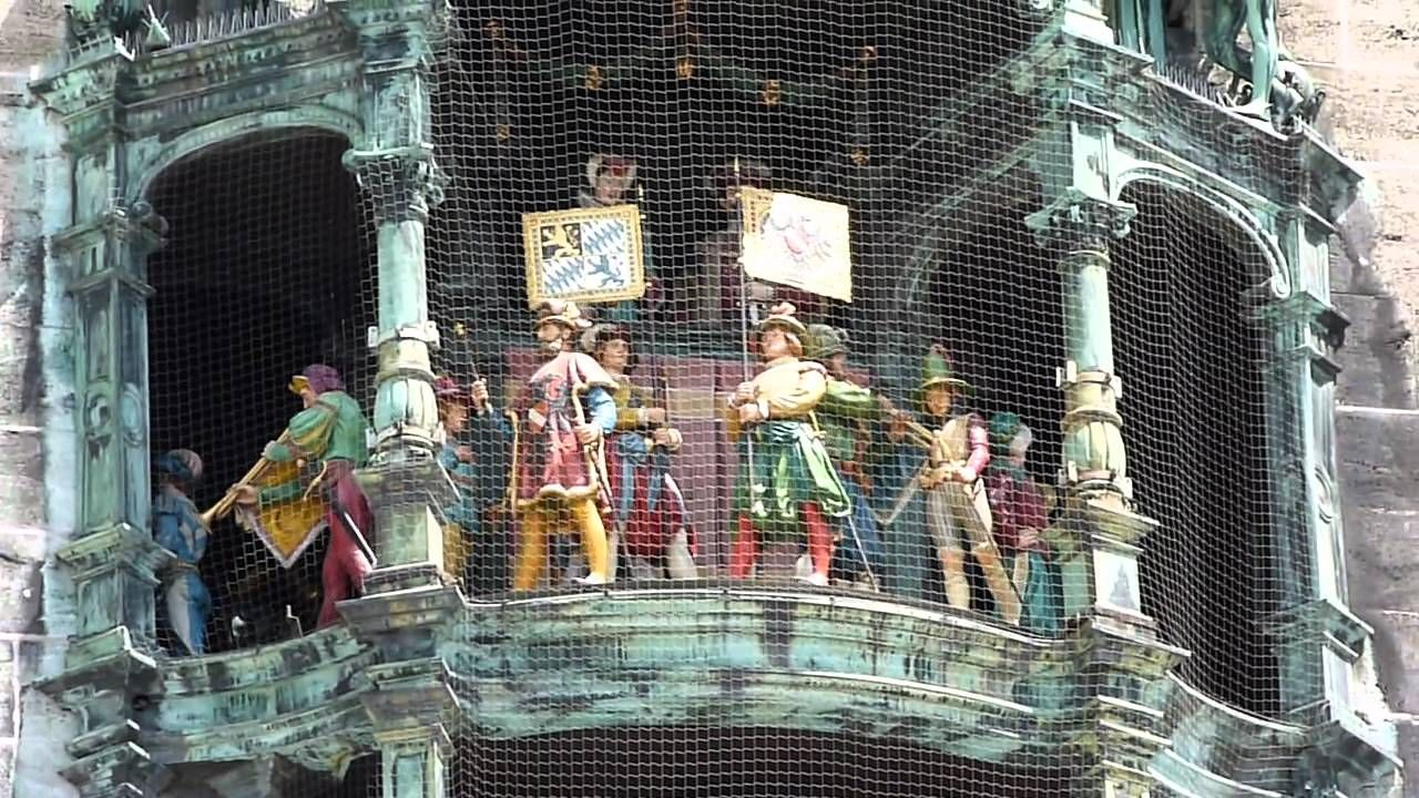 Rathaus Glockenspiel Munich New Town Hall Bell Chime At 12pm New Town European Music Town Hall