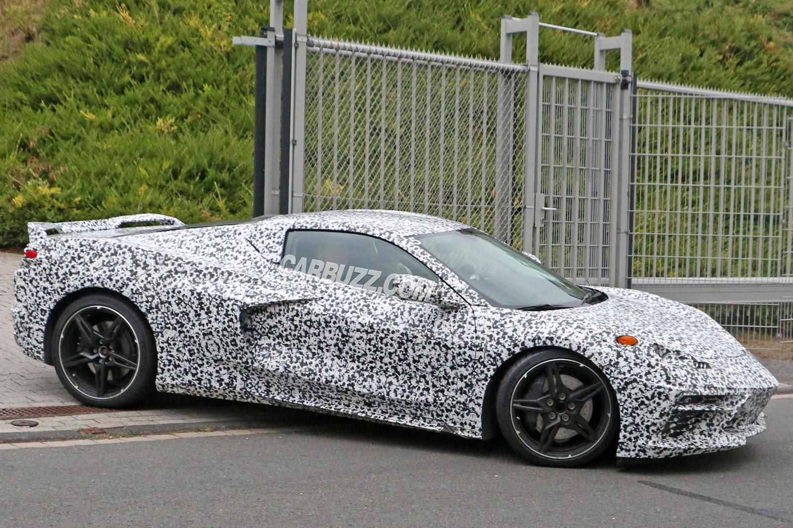 Insider Claims Corvette C8 Will Be Called 'Manta Ray