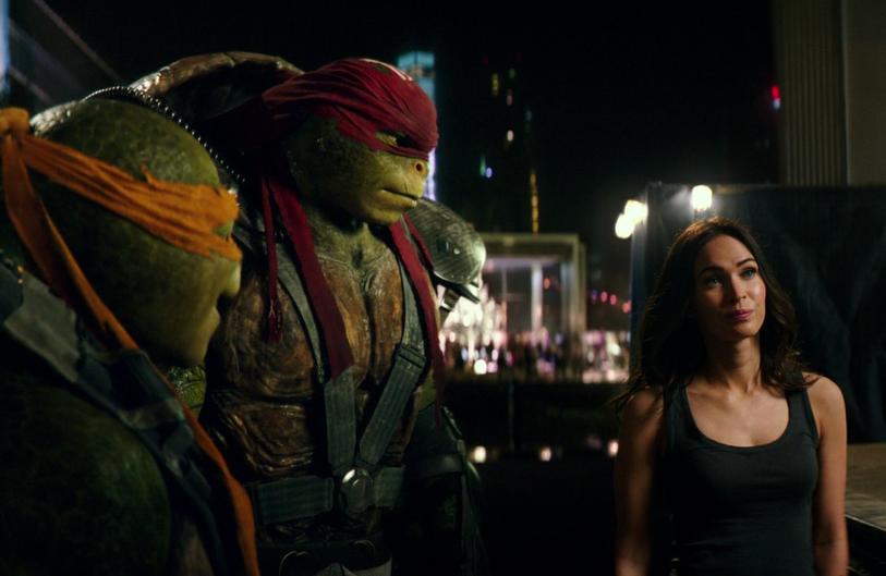 Raphael Looking At April Teenage Mutant Ninja Turtles Out Of The