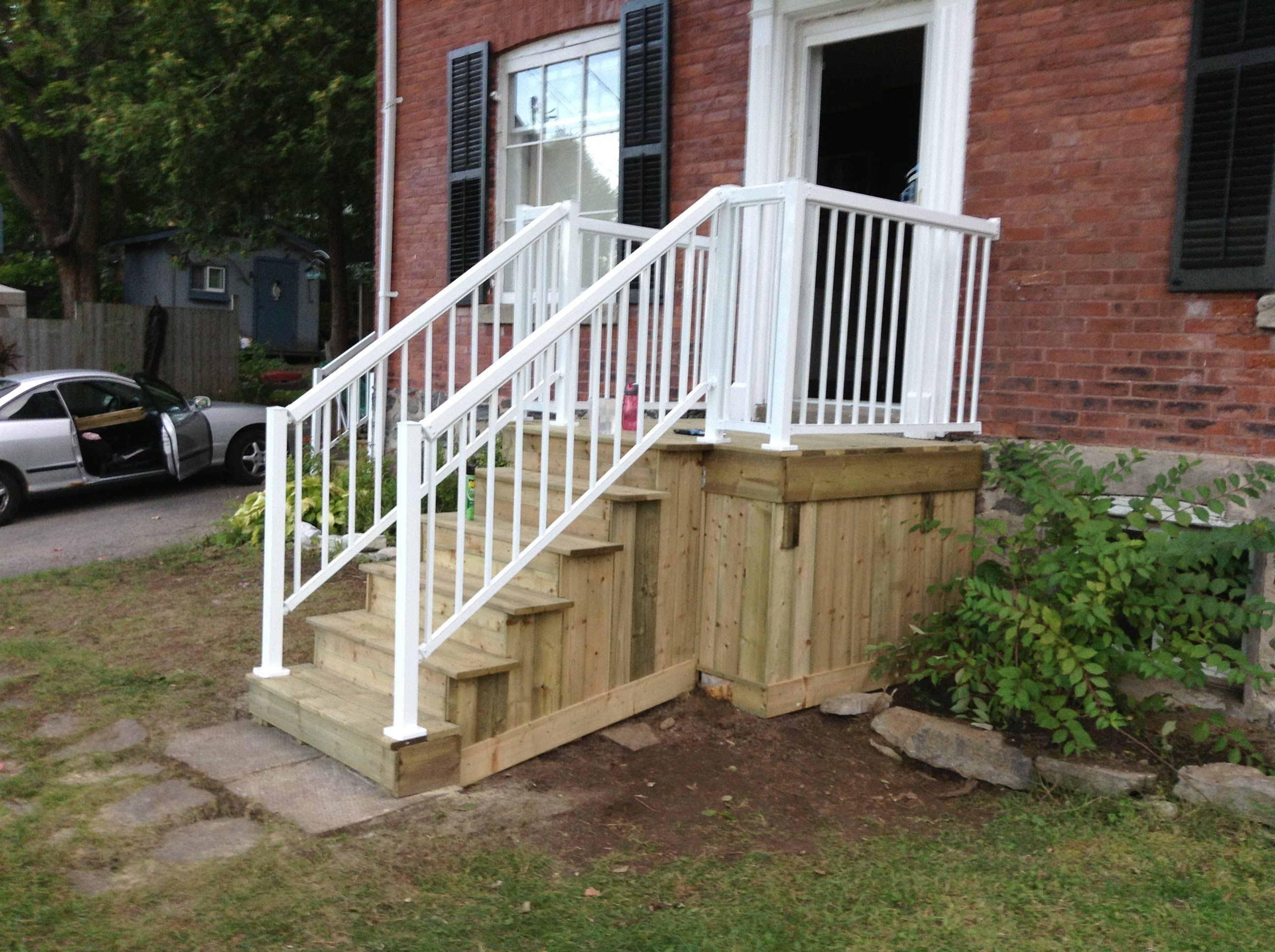 houses with wood front steps  How to build your front porch