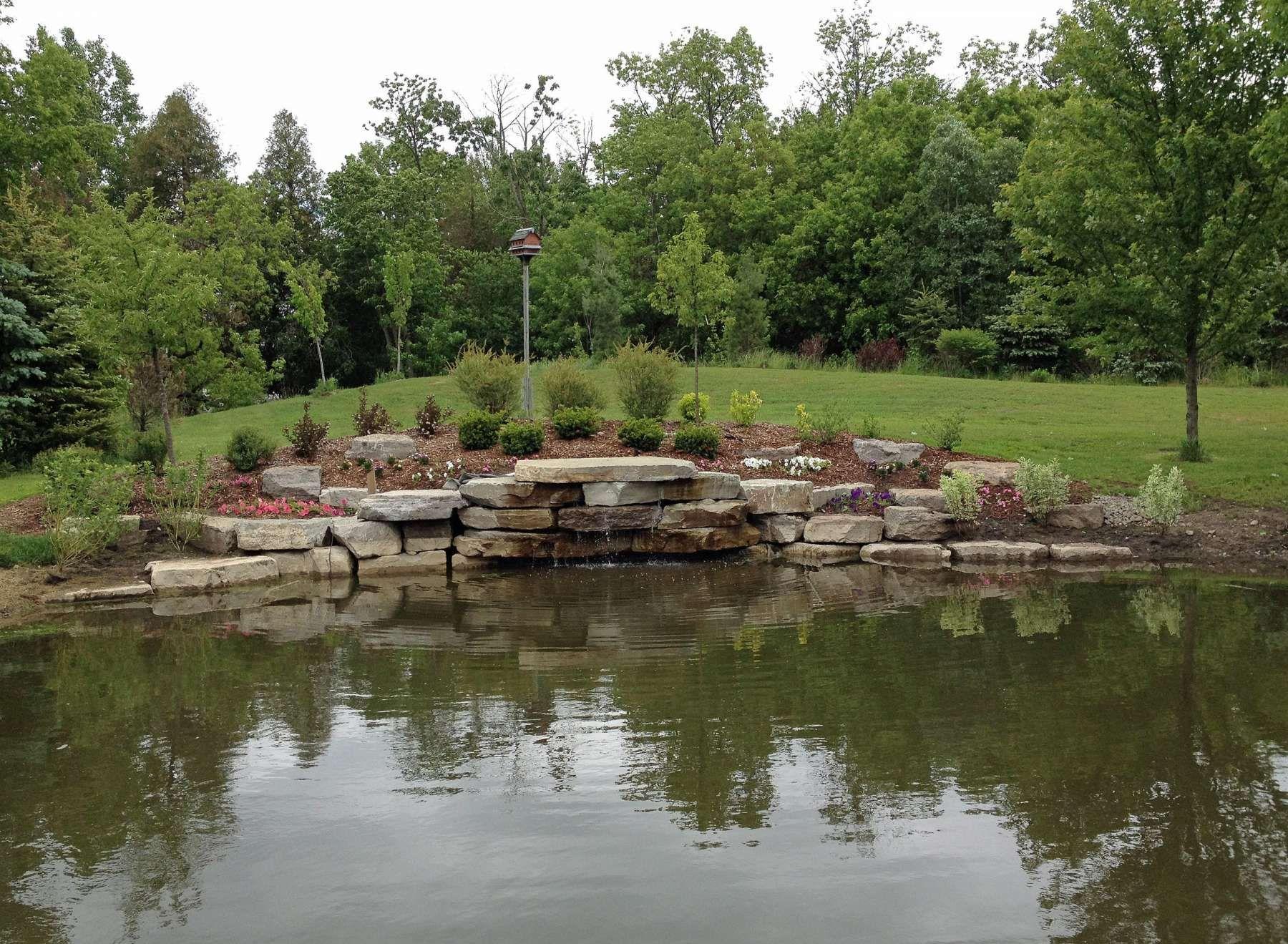 15+ Beautiful Large Pond Landscaping Ideas Photos ...