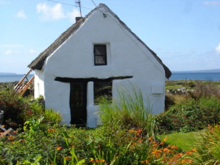 Terrific Side Of Thatched Cottage Ireland Cottage Cottages By Interior Design Ideas Philsoteloinfo