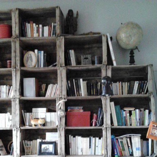 une biblioth que maison biblioth que maison modulable et en bois. Black Bedroom Furniture Sets. Home Design Ideas